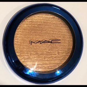 MAC Extra Dimension Skinfinish in Shaft of Gold